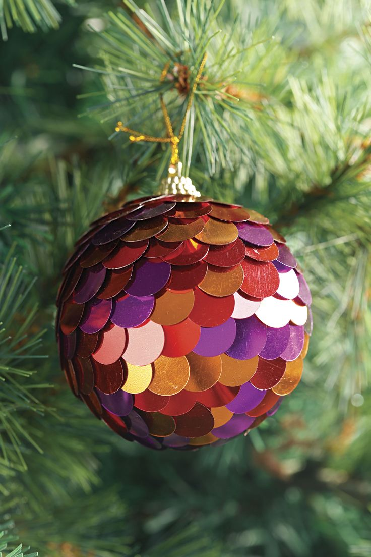 Atrévete con detalles diferentes para decorar tu árbol.