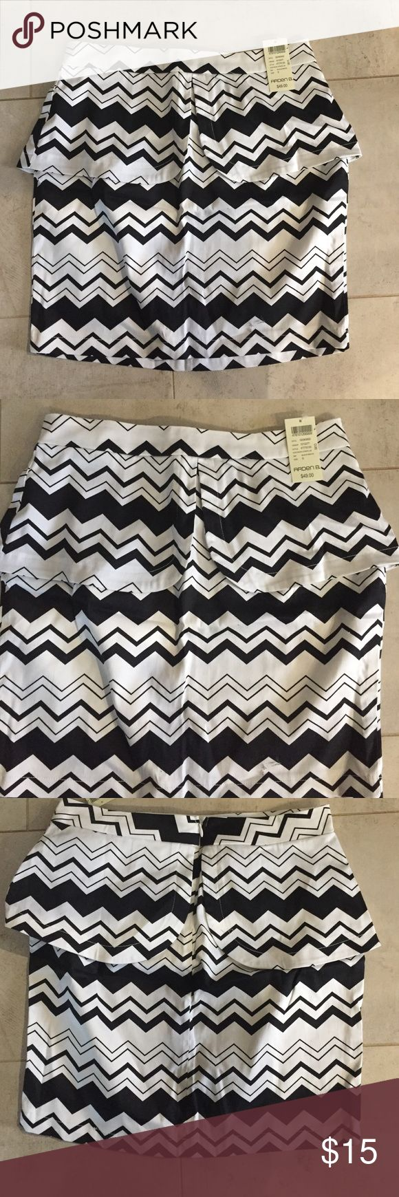 NWT black and white peplum skirt Never worn. Black and white peplum skirt. Size small. Purchased from Arden b Arden B Skirts Mini