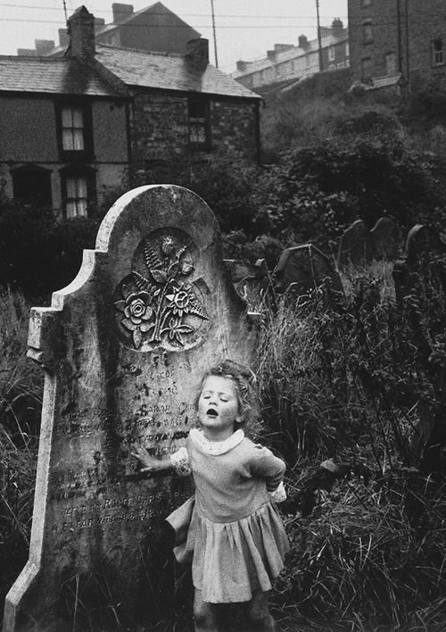 under-the-gaslight: Photograph by Bruce Davidson. Wales, 1965.