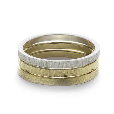 Trouwringen verkrijgbaar in zilver, geel goud, wit goud of roos goud. Deze ringen zijn in verschillende breedtes te krijgen. De vermelde prijs is e...