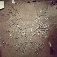 Diese Flügel, es gibt keine Möglichkeit für Kinder sollten die Möglichkeit haben, mit zu spielen | 24 DIY Fairy, Dragon, And Butterfly Wings For Kids