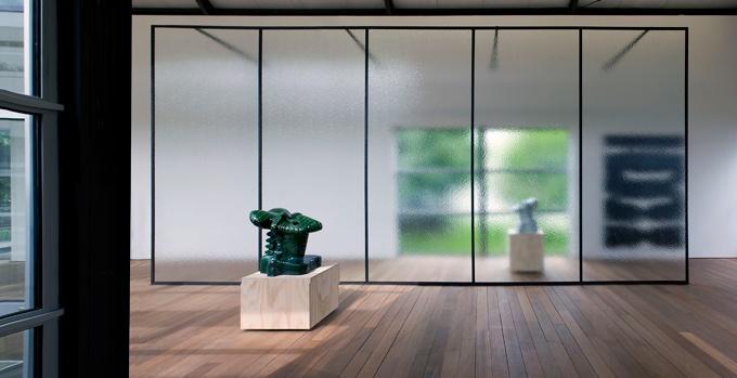 Marien Schouten in De Nederlandse identiteit? Marien Schouten, Job Koelewijn, David Jablonowski et al (2010). © Gert Jan van Rooij, Museum De Paviljoens