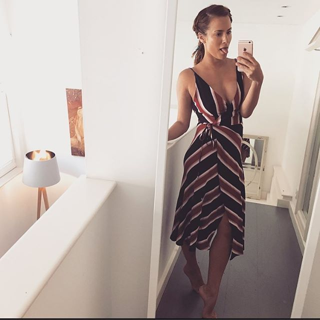 Topshops PERFECT lil summer dresses are everything today .. Fancy an ice cream?  #topshop #summer #icecream