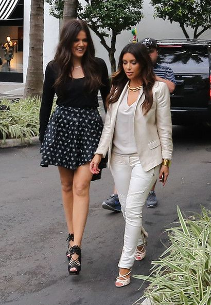 Kim Kardashian Photos - Kim and Khloe Kardashian leave the Kardashian Kollection photo shoot in Miami. - Khloe Kardashian gets prepped for a Kardashian Kollection photo shoot in Miami