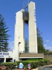 Cook Memorial Obelisk at the NSW & Queensland Border - The Twin Cities of Tweed Heads & Coolangatta.
