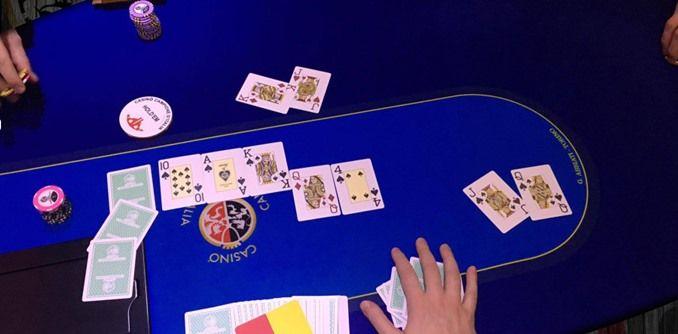 Achille 'Nerowolf' Bertola, chiude Scala Reale e vince il jackpot cash game a Campione d'Italia