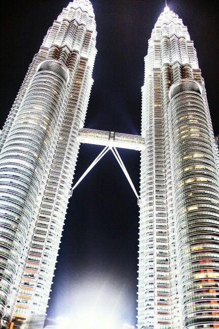 Petronas Towers | Kuala Lumpur | Malaysia
