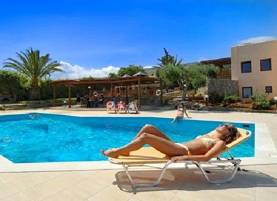17 beste idee n over griekse tuin op pinterest griekse eilanden - Houten strand zwembad ...