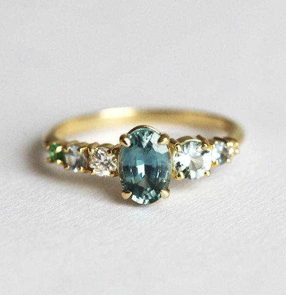Azul Sapphire Cluster Ring, anillo de compromiso de zafiro, Cluster anillo zafiro, anillo de Multistone, zafiro anillo ovalado, único anillo de compromiso