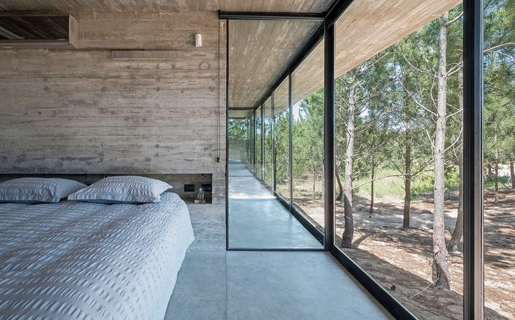 Concrete architecture is something Architect Luciano Kruk does very well. I say this way to much but... this is my new favorite house.
