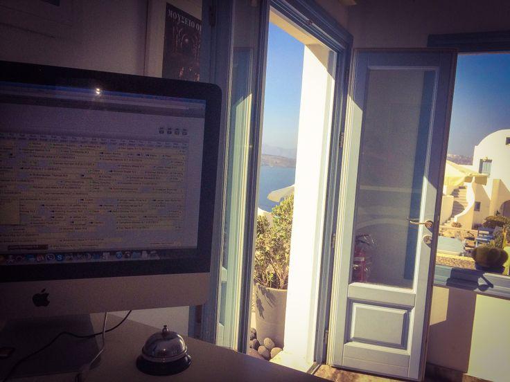 Managinng in action at Apanemo Hotel Santorini