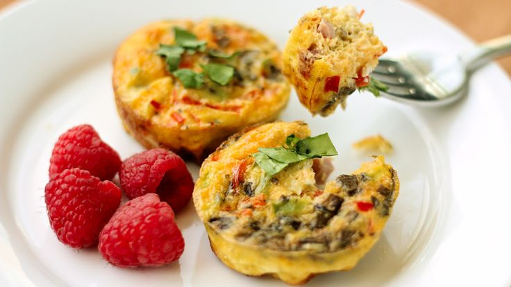 Make these quick and tasty crustless mini egg quiches for an easy way to get in a healthy breakfast serving all week long.