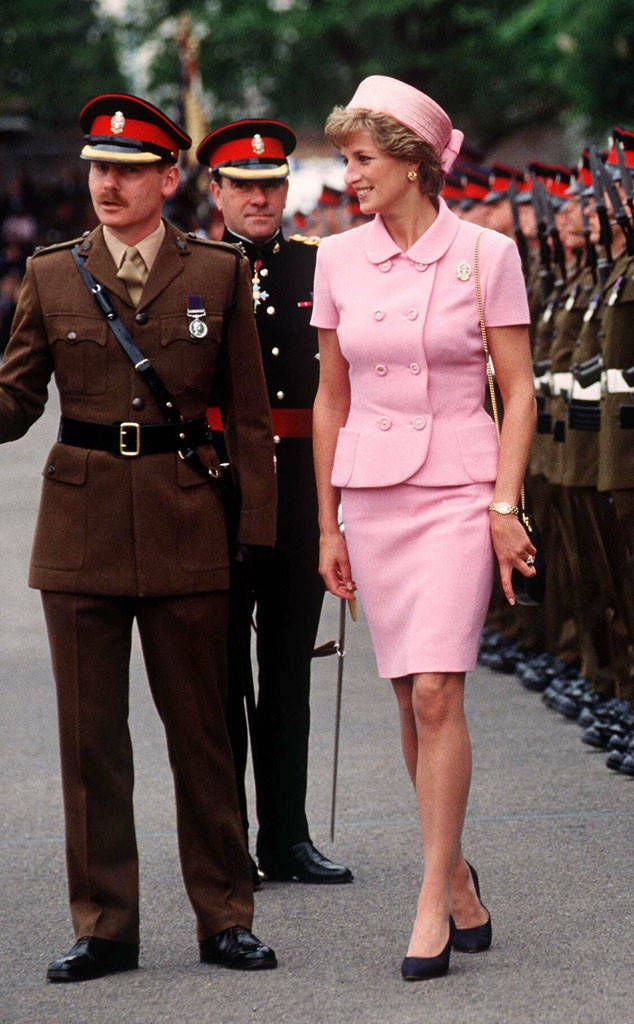 Pink Versace from Princess Diana's Best Looks  Gianni Versace designed a Jackie O-inspired pink suit for Diana's visit to the nation's troops, and her pillbox hat was from Philip Somerville.