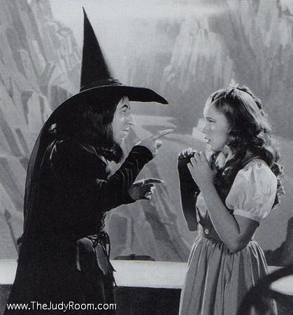 Judy Garland and Margaret Hamilton in the early days of filming.