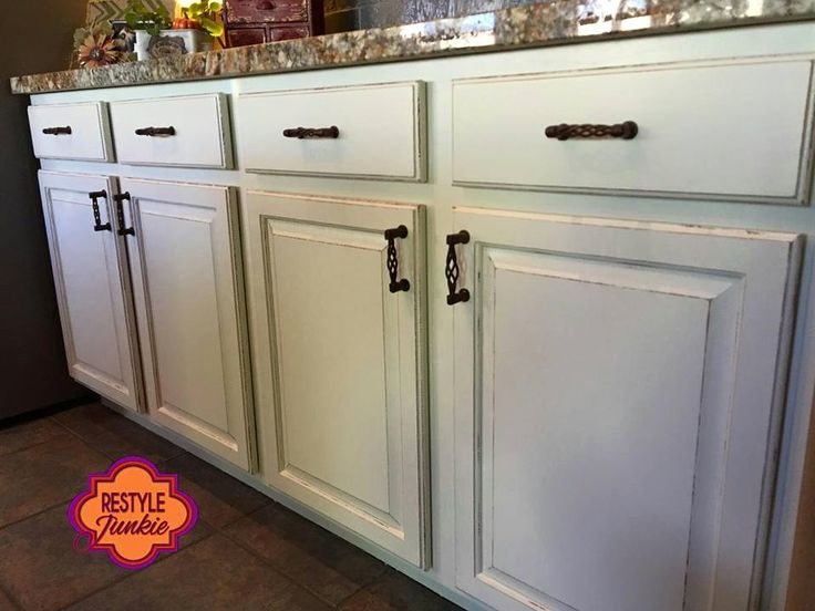 Distressed and Glazed Finishes with Milk Paint and Glazes ...