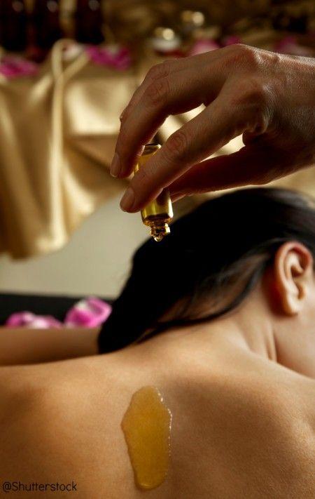 Comment utiliser les huiles essentielles sur la peau ? - Utilisations des huiles essentielles - Initiation aux huiles essentielles