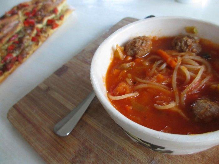 Een heerlijke warme soep in deze koude dagen! Daar knap je wel van op!
