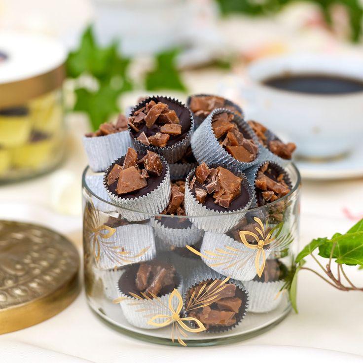 Försvinnande god chokladtryffel med hackad daim