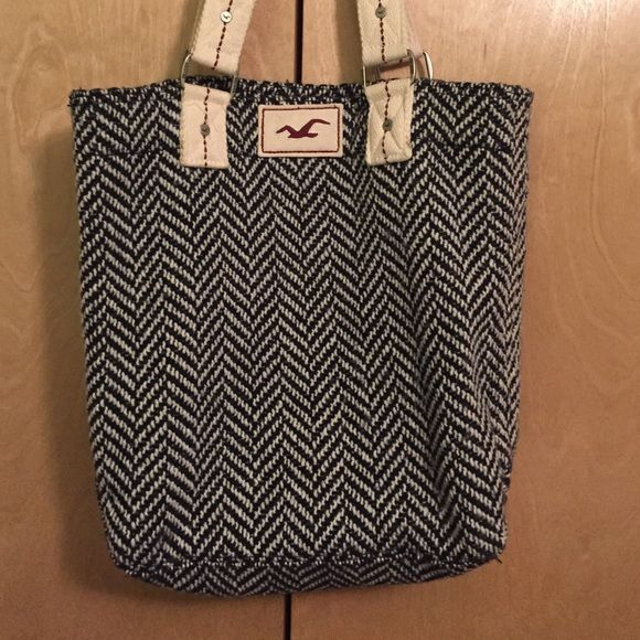 Hollister Tote Bag Hollister tote bag perfect for books, magazines or any girl who loves big bags! Hollister Bags Totes