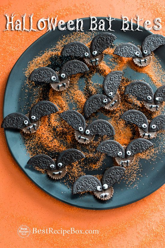 Easy halloween treats for kids. These cute halloween bat bites have peanut butter cups and chocolate. Chocolate cookies are for the wings, halloween candy