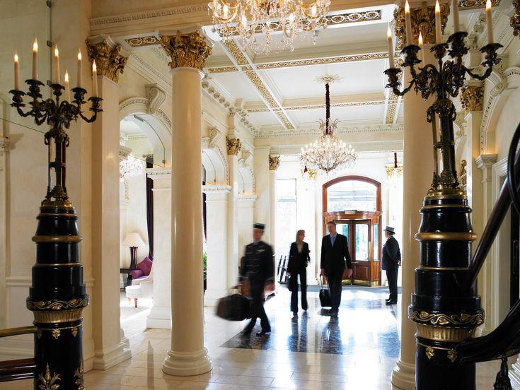 THE SHELBOURNE HOTEL Shelbourne on yksiDublinin hienoimmista ja legendaarisimmista hotelleista.