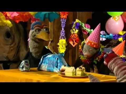 Rekenen met koekeloere groep 1 - Wie klopt er aan de  deur? Geen Sintaflevering maar een verjaardagsfeest waarbij telkens geteld wordt of er wel genoeg is.