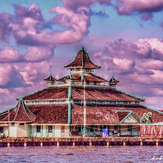 Masjid Jami' Kadariah Palace of Pontianak Sultanate, West Kalimanatan - Indonesia (03) #besttopphotographer, #HDR , #hdrphotography , #indonesia , #kapuasriver , #landscapephotography , #LuminanceHDR , #photographyuyeee , #planetvista , #pontianak , #riverscapephotography , #riverside , #westkalimantan