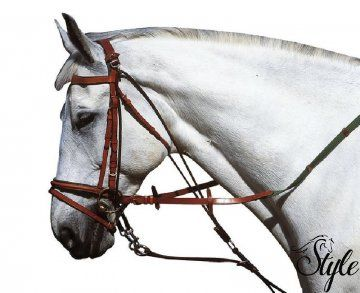 APOLLO gogue fejrángatás ellen Kifejezetten fejrángatós lovakhoz ajánlott gouge.   Technikai paraméterek  - minőségi bivalybőrből  - nikkelezett sárgaréz fém részek  - barnában és feketében is