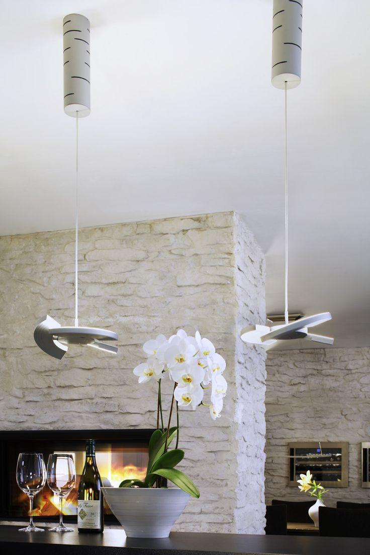 die besten 17 ideen zu steinwand wohnzimmer auf pinterest falsche felsw nden steinwand und. Black Bedroom Furniture Sets. Home Design Ideas