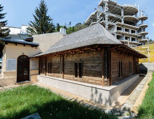 15 Romanian Synagogues — exterior
