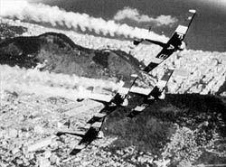 Em 14 de maio de 1952: A Esquadrilha da Fumaça realiza sua primeira exibição oficial.