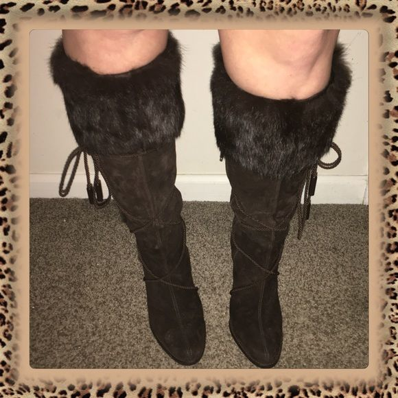 Coach Suede Knee High Boots with Fur Trim Listing☄These Authentic brown suede with fur trim boots have been worn only once. In perfect condition. Please be advised the rope wears some spots where it sits. Can't be seen unless you move rope. The last picture shows it. Super hot zip up one side and a line of fur down the other side! Coach Shoes Heeled Boots