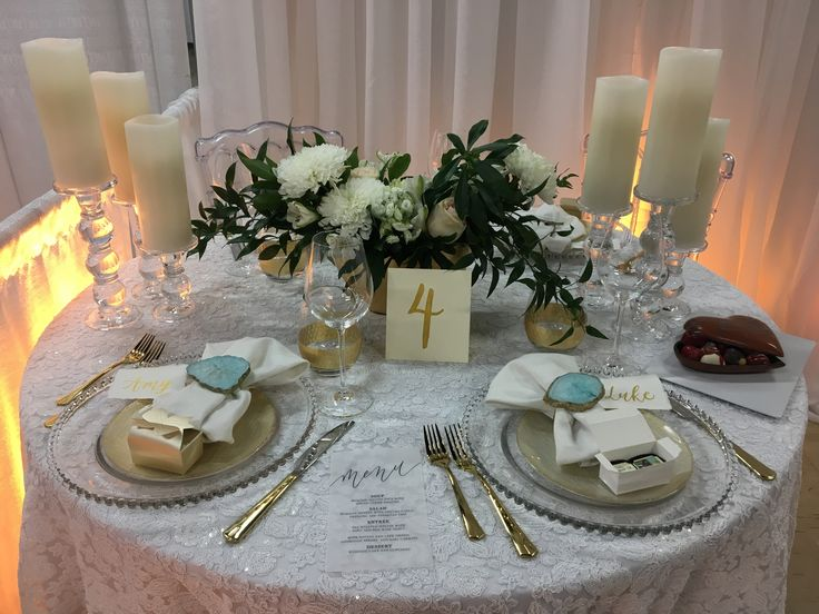Inspiration table with flowing greens, agate & hints of gold. #inspiredeleganceevents #winnipegweddings #gold #itsallinthedetails #wedding #weddingdetails