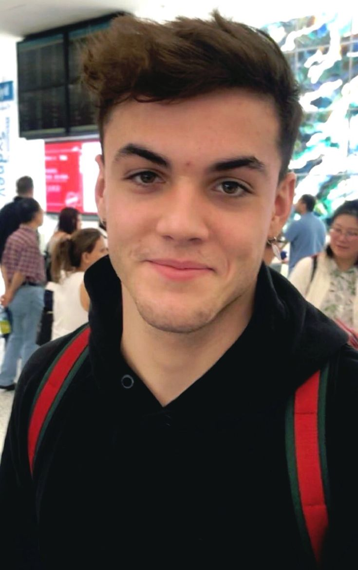 Grayson. Stop being so fucking cute I am crying