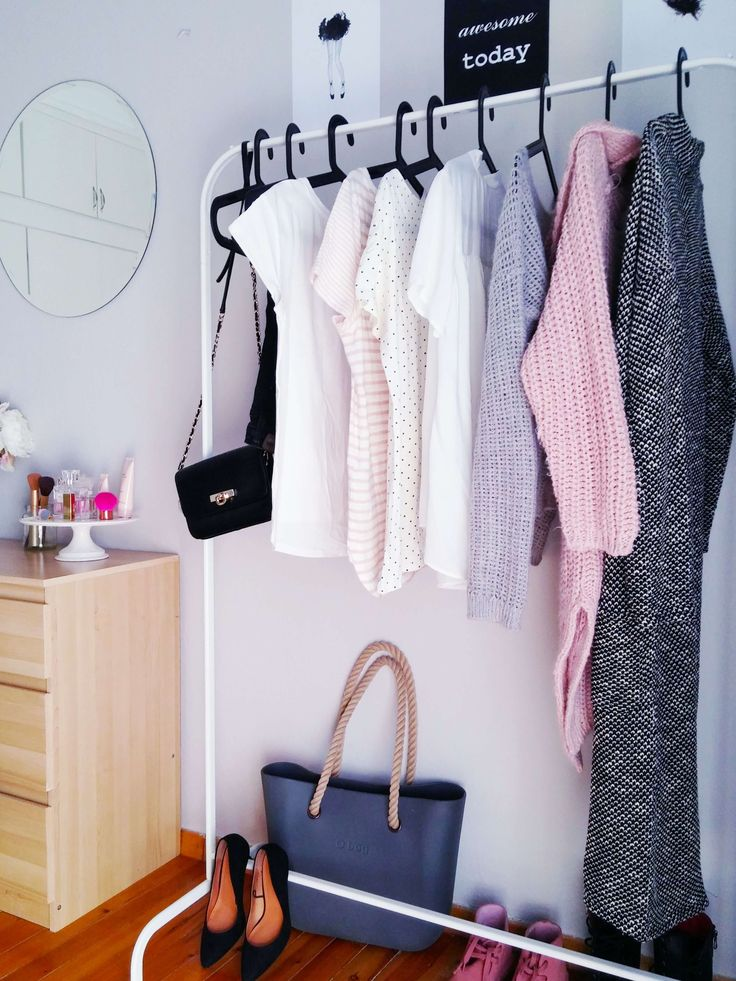 Chrysa's bedroom before and after - Lovely clothes rack - VioletMimosa.com