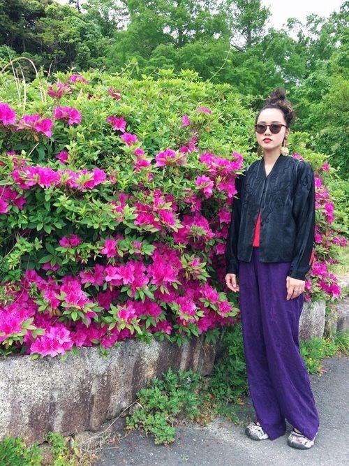 赤×紫🍎🍇🍎🍇🍎🍇🍎🍇🍎 刺繍が素敵なブラウス。