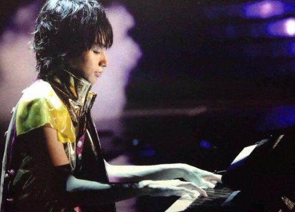 伊野尾慧はピアノを弾く手がきれい!趣味のレベルではない上手さ?のサムネイル画像