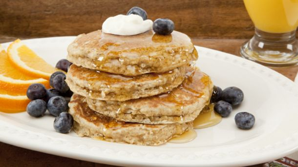 Oatmeal Whole-Grain Pancakes | Easy Healthy Breakfast | Pinterest