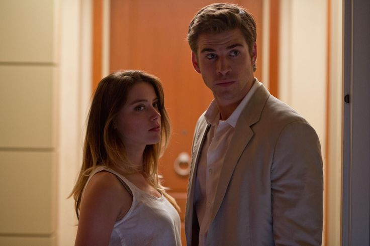 Still of Amber Heard and Liam Hemsworth in Paranoia (2013) http://www.movpins.com/dHQxNDEzNDk1/paranoia-(2013)/still-1981668096