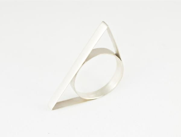 Trian-gle ring