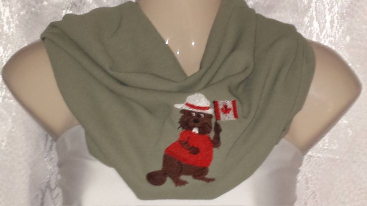 Cowl scarf with Canadian beaver by Scarfgoroundboutique on Etsy