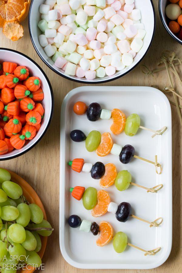 Halloween Fruit Skewers #halloween #kids via @spicyperspectiv