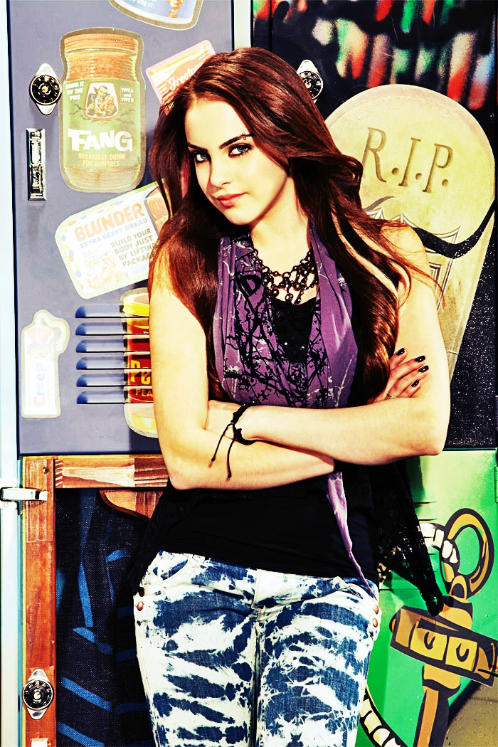 "liz gillies next to her locker from ""Victorious"""