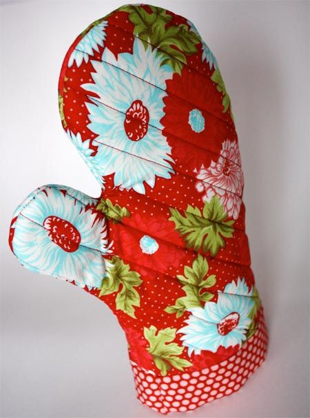 * Oven Mitt Pattern (totally have to make this!!)
