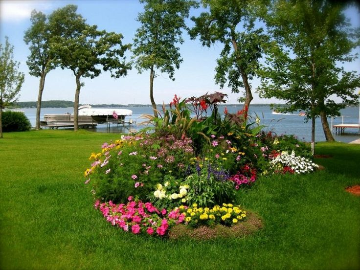 174 best Island and Berm Gardens images on Pinterest | Landscaping ideas,  Backyard ideas and Front yard landscaping