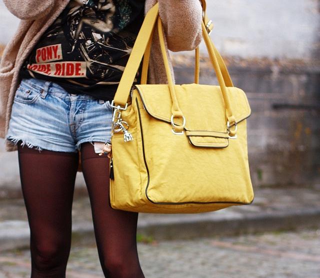 cut off shorts, coatigan, Kipling City Bag.  Cute, Cute, Cutel