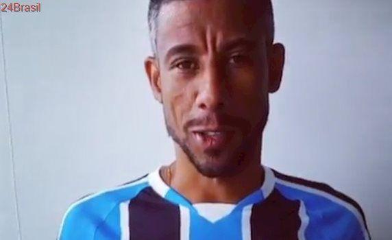 Léo Moura assina com o Grêmio e jogará a Libertadores