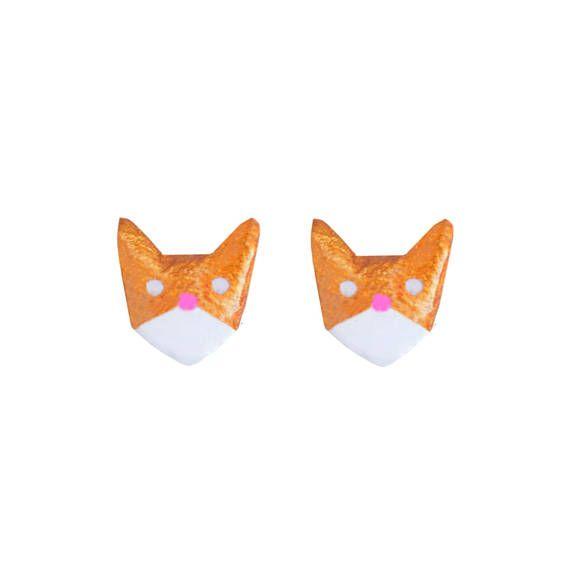 Cat Earings gold and white cat studs. kittie earrings