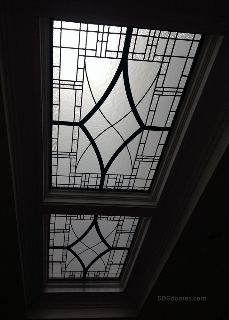 Leaded Glass Ceiling Lens, by the Solarium Design Group Ltd. for a Transitional Interior. http://solariumglassdomes.com/