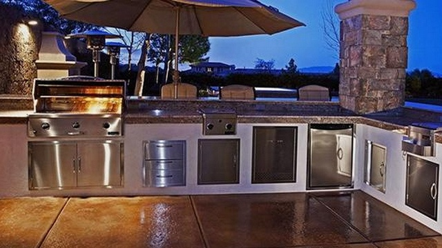Outdoor kitchens and custom bbq grills allformysurvival for Custom outdoor bbq kitchens